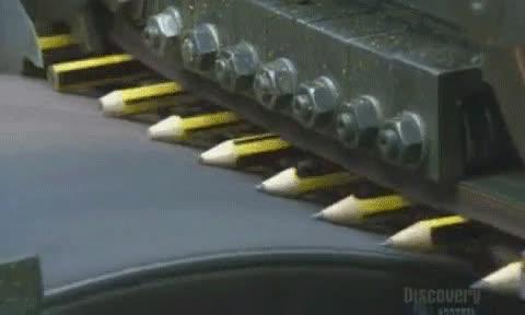 Enlace a Así sacan punta a los lápices en las fábricas