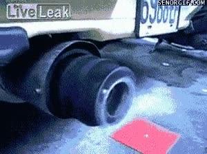 Enlace a El tubo de escape del coche de Rambo