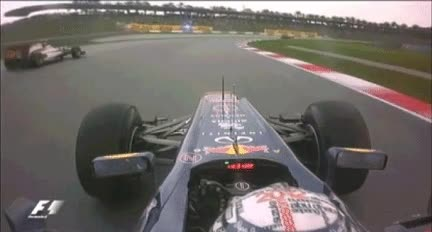 Enlace a Vettel haciendo amigos en Malasia