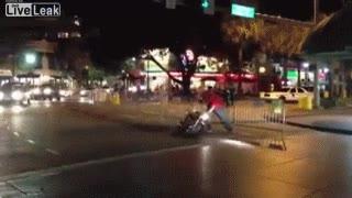 Enlace a Ir en moto borracho es mala idea