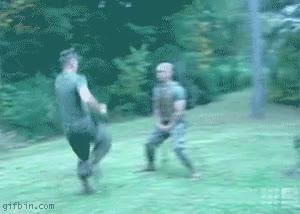 Enlace a Los soldados siempre tienen que dar en el mejor lugar