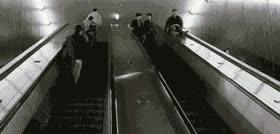 Enlace a Otra forma de bajar las escaleras mecanicas