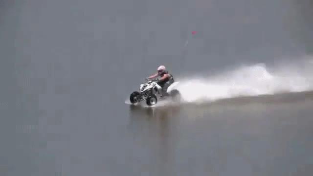 Enlace a Quad-Raptor sobre el agua, ¡impresionante!