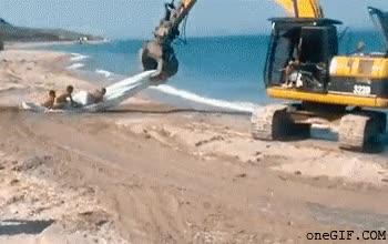 Enlace a Con la excavadora en el mar