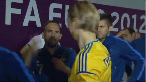 Enlace a Tomándole el pelo a Ribery