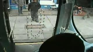Enlace a Tío se vuelve loco en el autobús