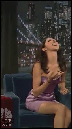 Enlace a Ya le encontramos un talento a Selena Gómez