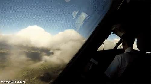 Enlace a Volando entre las nubes