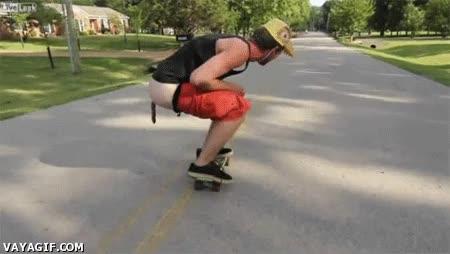Enlace a Cagando sobre Skate en la vía pública