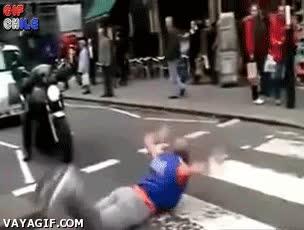 Enlace a Cruzar la calle... con estilo