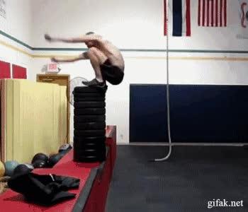 Enlace a Casi 2 metros de salto vertical
