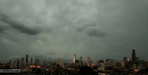 Enlace a Tres rayos a la vez en edificios en Chicago