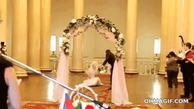 Enlace a Cómo joder una boda en 5 segundos