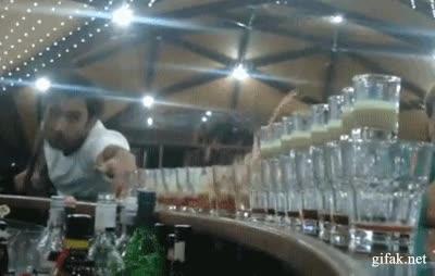 Enlace a Así se sirve vodka en mi bar
