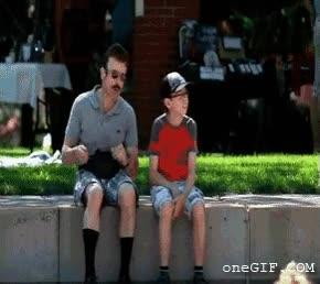 Enlace a Ese momento incómodo cuando vas a un concierto con tu padre