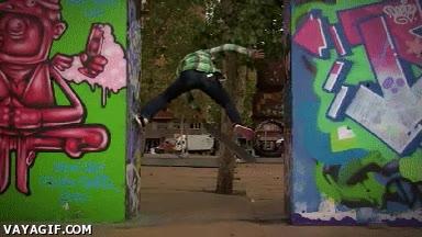 Enlace a Parkour con skateboard