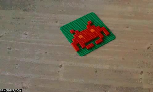 Enlace a Lego invaded