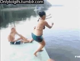 Enlace a ¿Qué forma de tirarte al agua es esa?