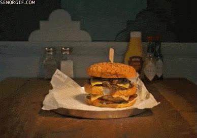Enlace a La hamburguesa con patatas y la cerveza