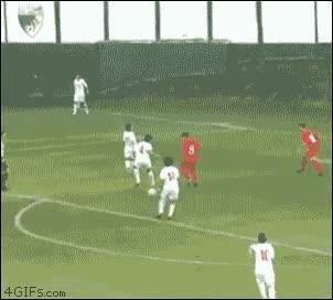 Enlace a Gran jugada de fútbol