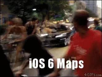 Enlace a Este coche creo que lleva los mapas de Apple