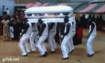 Enlace a Un funeral de lo más divertido