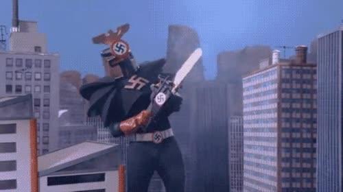 Enlace a Robot gigante nazi con motosierra lanzallamas ¡estamos jodidos!