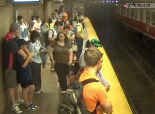Enlace a Cuando vas por primera vez en metro