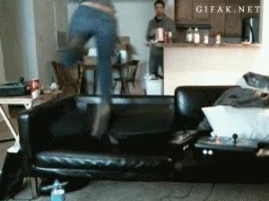 Enlace a Mamá, luego dices que no saltemos en el sofá