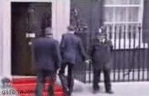Enlace a ¿Me da usted la mano, señor ministr...? Vale, pues no