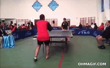 Enlace a ¿Ah, que tú necesitas brazos para jugar a ping-pong?