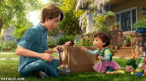 Enlace a Cuando tu sobrino quiere jugar con tus juguetes de cuando eras pequeño
