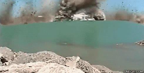 Enlace a Explosión bajo el agua