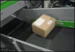 Enlace a La caja rebelde que se negaba a subir por la cinta