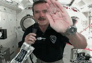 Enlace a Así es como se lavan las manos en el espacio