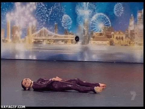 Enlace a Y yo para levantarme cuando estoy tumbado casi que he de llamar a la grúa...
