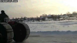 Enlace a ¿Motos de nieve? Por favor, pudiendo tener un tractor de nieve...