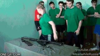 Enlace a Y esto es asignatura troncal en Rusia, montaje y desmontaje de un AK-74
