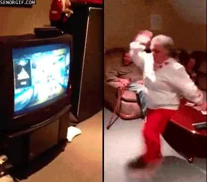 Enlace a Jugando con el Kinect con 80 años