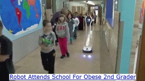 Enlace a Un robot con videocámara va a clase en lugar de un niño obeso de segundo
