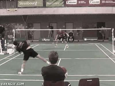 Enlace a ¿Quién dice que el badminton no es un deporte espectacular?