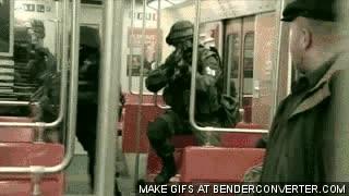 Enlace a Y así la gente dejaría de colarse en el metro