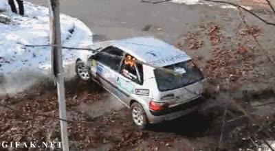 Enlace a Increíble derrape de un coche