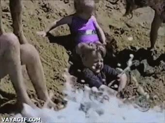 Enlace a Este niño tardará en volver a la playa