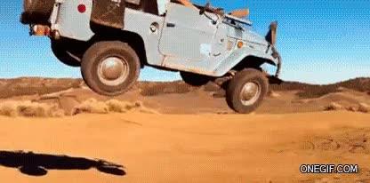 Enlace a Saltemos por las dunas con nuestro Jeep, tiene pinta de ser muy seguro