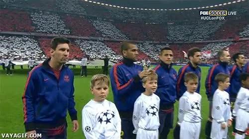 Enlace a Está claro a qué se hubiera dedicado Alves si no hubiera sido futbolista, ¿no?