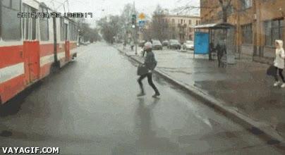 Enlace a ¡El tranvía se va cuando yo lo diga!