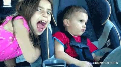 Enlace a Cuando tu hermana lleva mucho rato dando por saco...