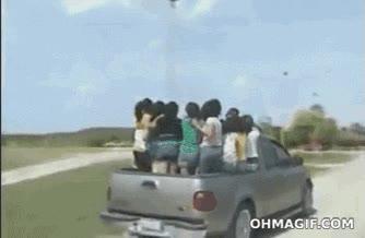 Enlace a Subámonos todas a la camioneta, será divertido...