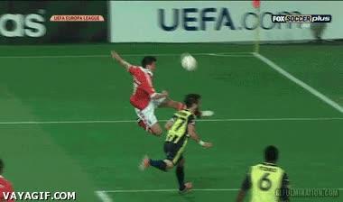 Enlace a Realmente el fútbol es un deporte de mucho riesgo...